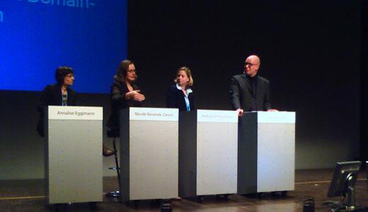 Domain Pulse 2007 - Juristenpanel: Annalise Eggimann (BAKOM), Nicole Beranek Zanon (SWITCH), Barbara Schlossbauer (nic.at), Stephan Welzel (DENIC)