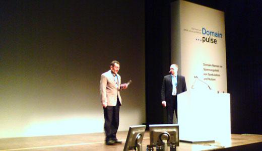 Domain Pulse 2007 - Urs Eppenberger (SWITCH) en Richard Wein (nic.at)