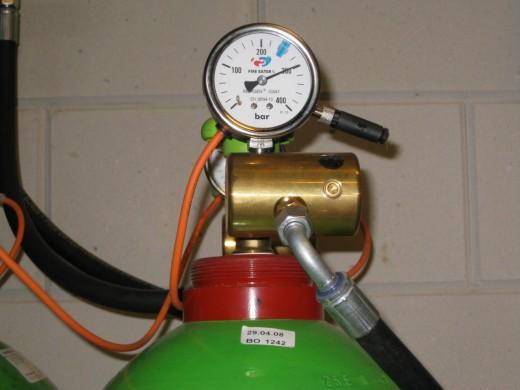 Solcon datacenter: Intergen gasfles drukmeter