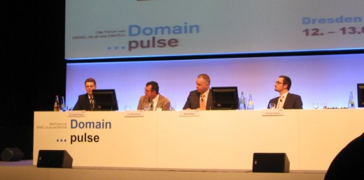 Domain pulse 2009: DeNIC, nic.at, SWITCH panel