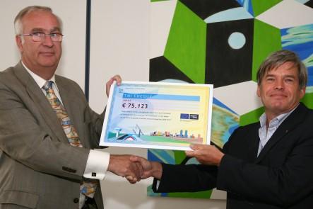 Eerste vijf TMI-cheques uitgereikt