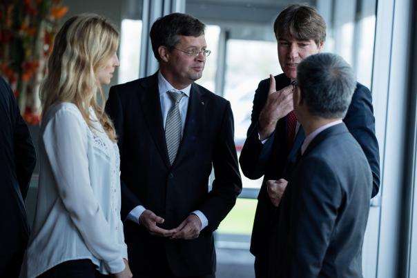 Jan-Peter Balkenende werd tijdens de opening als eregast verwelkomd